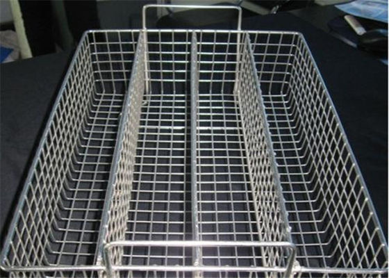 China Corrosion Resistance Hardware Wire Mesh Filter , Extra Large Wire Storage Baskets For Disinfecting supplier